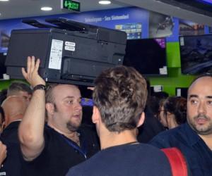 Kastamonu'da teknoloji mağazası açılışında izdiham yaşandı