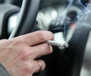 Araba içinde sigara içilemeyecek
